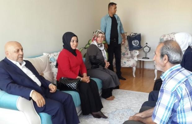 Arslan, şehit ailelerini ziyaret etti