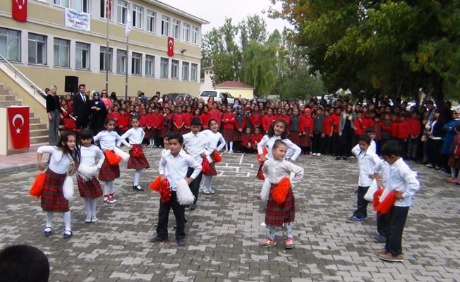 Erciş'te İlköğretim Haftası Etkinliği