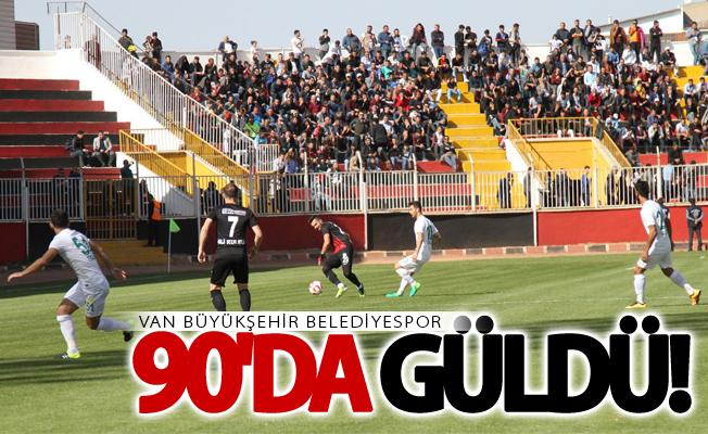 Van Büyükşehir Belediyespor 90'da güldü