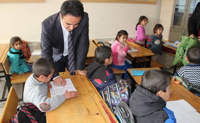 Kaymakam Dundar'dan okul ziyareti