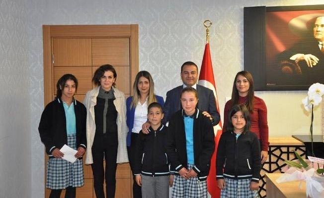Öğrencilerden Kaymakam Yaşar'a teşekkür ziyareti