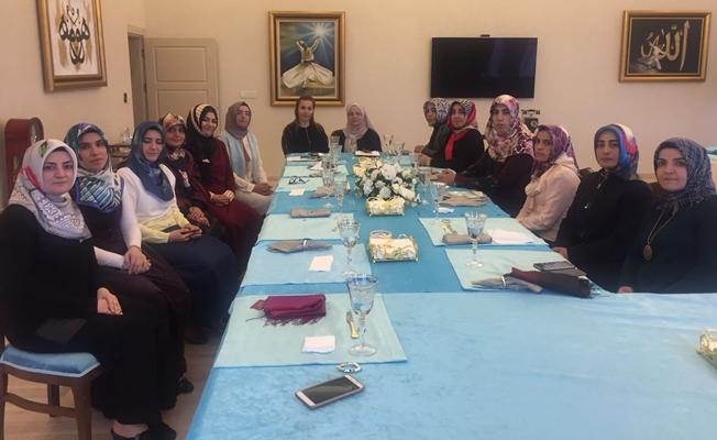 Vali Zorluoğlu'nun eşi, müftülük personelini ağırladı