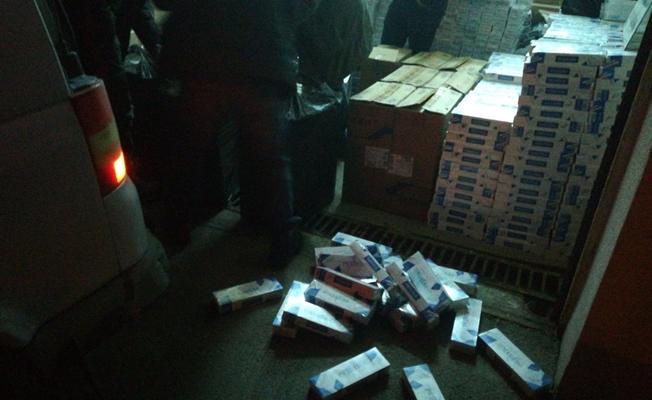 Erciş'te 12 bin paket kaçak sigara ele geçirildi