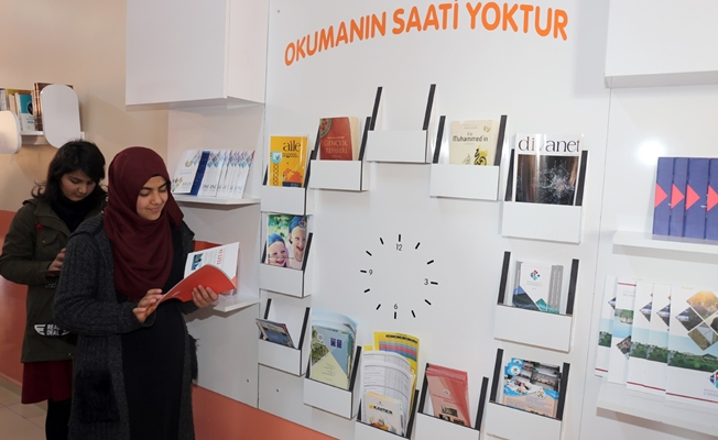 Gürpınar'daki okullara kitaplık