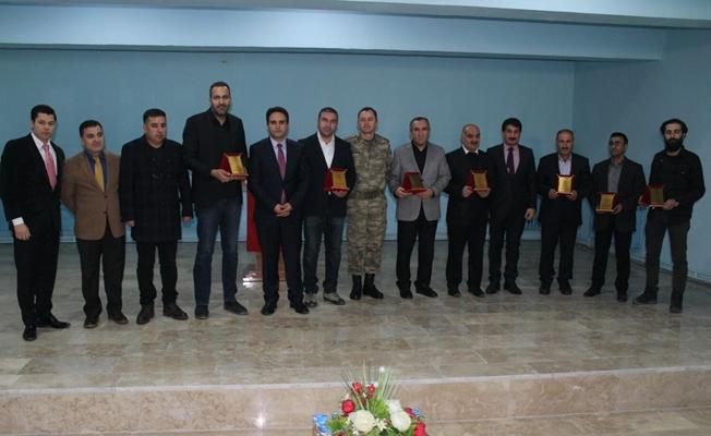 Yazar ve şairler Van'da öğrencilerle bir araya geldi