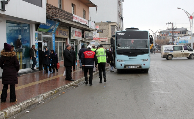 Erciş'te toplu taşıma araçları denetlendi