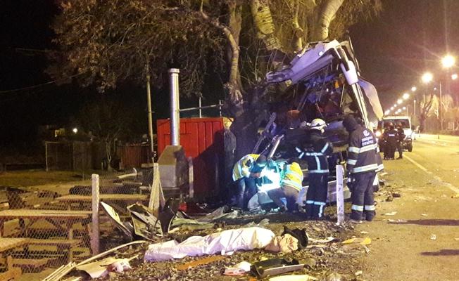 Katliam gibi otobüs kazası! 11 ölü, 44 yaralı