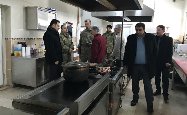 Kaymakam Özcan'dan karakol ziyareti