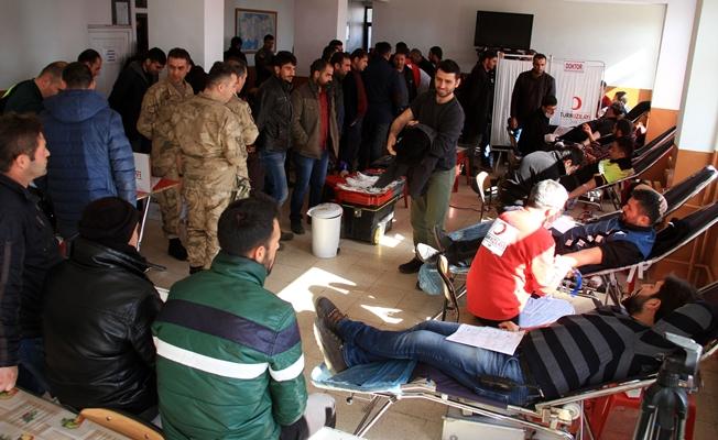 Güvenlik güçlerinden 'Afrin' için kan bağışı