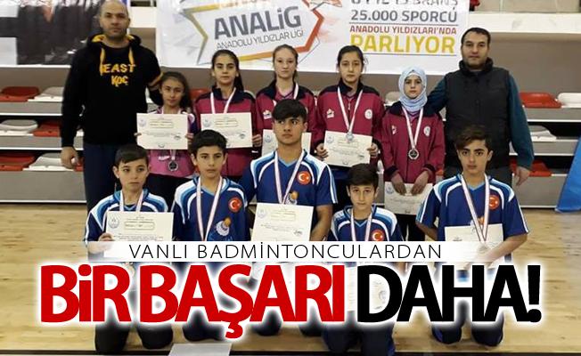 Vanlı badmintonculardan bir başarı daha