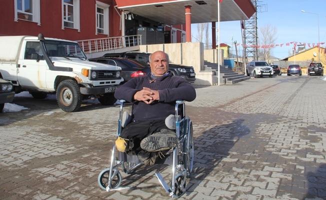 Başkale Kaymakamlığında tekerlekli sandalye hizmeti