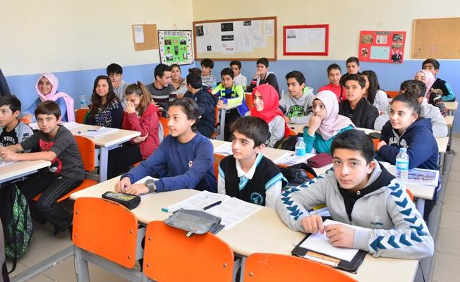 Tuşba Belediyesi'nden 'Ödüllü Deneme Sınavı'