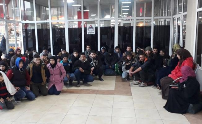 Adana'da 50 kaçak Afgan yakalandı