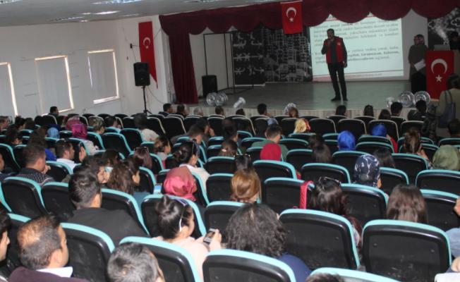 Muradiye'deki öğretmenlere seminer