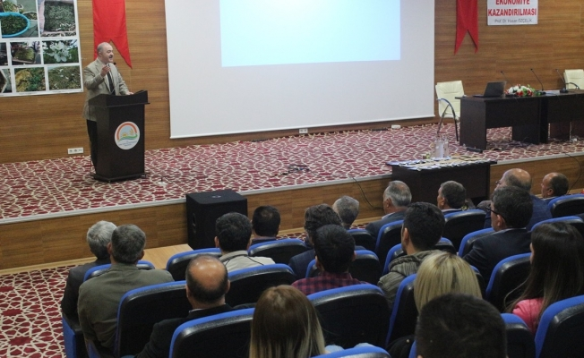 """Van'da """"Bitkilerin Ekonomiye Kazandırılması"""" semineri"""