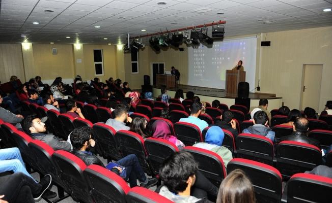 YYÜ Mimarlık ve Tasarım Fakültesi'nden iki seminer