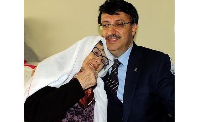 Başkan Türkmenoğlu'ndan 'Anneler Günü' mesajı