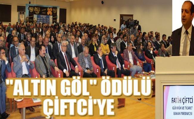 """Fatih Çiftci'ye """"Altın Göl"""" ödülü"""