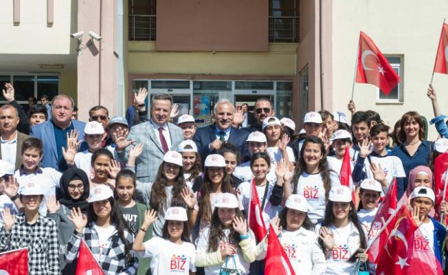 Misafir öğrenciler Vali Zorluoğlu'nu ziyaret etti