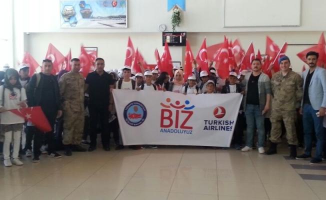 Özalplı 194 öğrenci İzmir'e uğurlandı