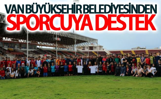 Van Büyükşehir Belediyesinden sporcuya destek