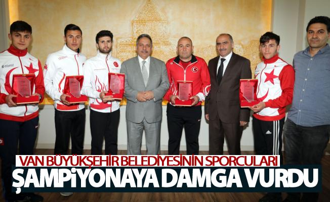 Van Büyükşehir Belediyesinin sporcuları şampiyonaya damga vurdu