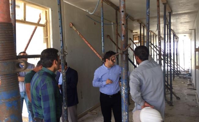 Kaymakam Dundar okul inşaatlarında incelemelerde bulundu