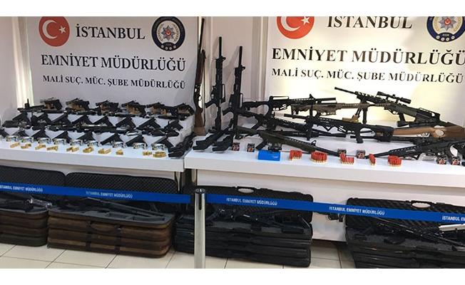 Adnan Oktar'dan ele geçirilen silahlar görüntülendi