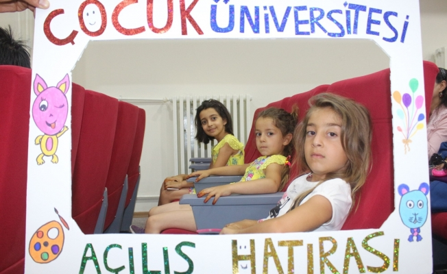 Van'da 'Çocuk Üniversitesi' açılışı