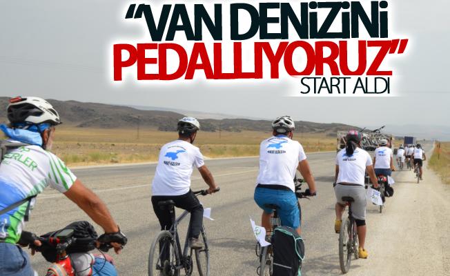 """""""1. Ulusal Van Denizi'ni Pedallıyoruz"""" bisiklet turu start aldı"""