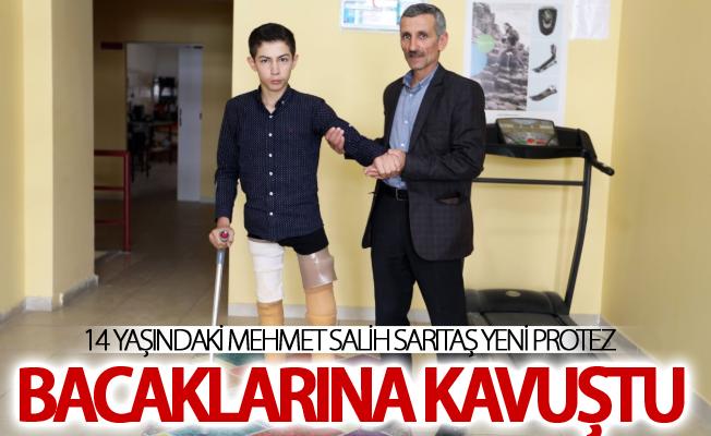 14 yaşındaki Mehmet Salih Sarıtaş yeni protez bacaklarına kavuştu