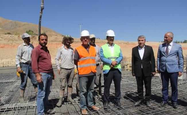 Başkan Vekili Öztürk inşaat çalışmalarını yerinde inceledi