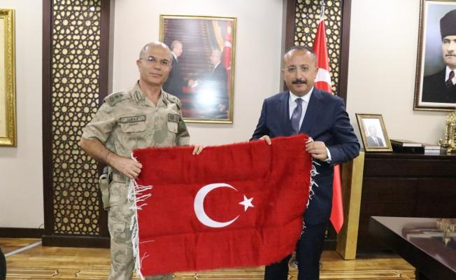 Tümgeneral İlbaş, Vali Atik'i ziyaret etti