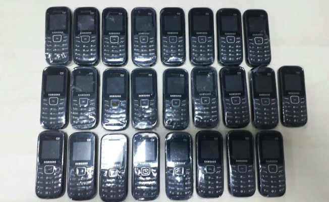 Van'da 25 adet kaçak cep telefonu ele geçirildi