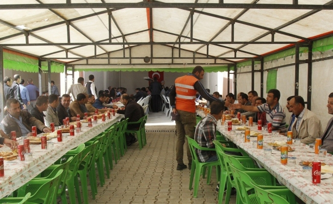 Başkale Belediyesinden kaynaşma yemeği