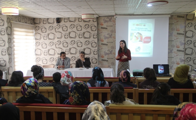 Başkale'de 'Kadın haklarına ilişkin bilinçlendirme' semineri