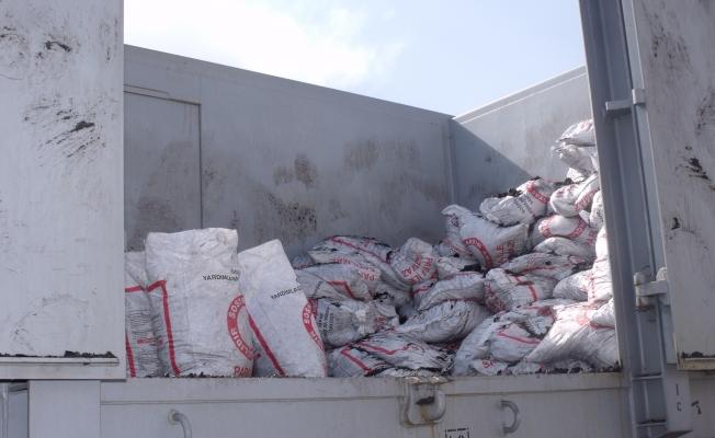 Özalp ilçesinde yardım kömürü dağıtımı