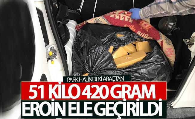 Park halindeki araçtan 51 kilo 420 gram eroin ele geçirildi