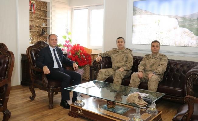 Tuğgeneral Özfidan'dan Kaymakam Solak'a ziyaret