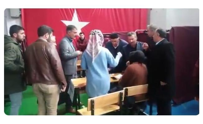 Van'da Ak Parti Temayül yoklaması yapıldı