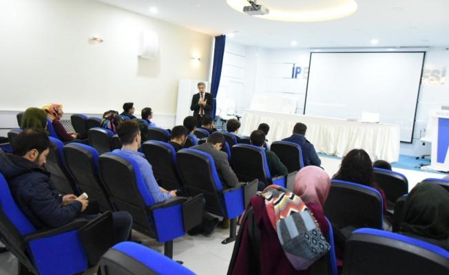 İpekyolu'nda Teknoloji Trendleri ve Dijital Yolculuk semineri