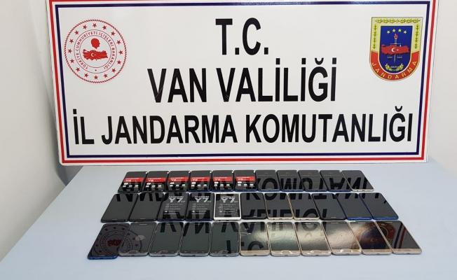 Van'da 33 adet kaçak cep telefonu ele geçirildi