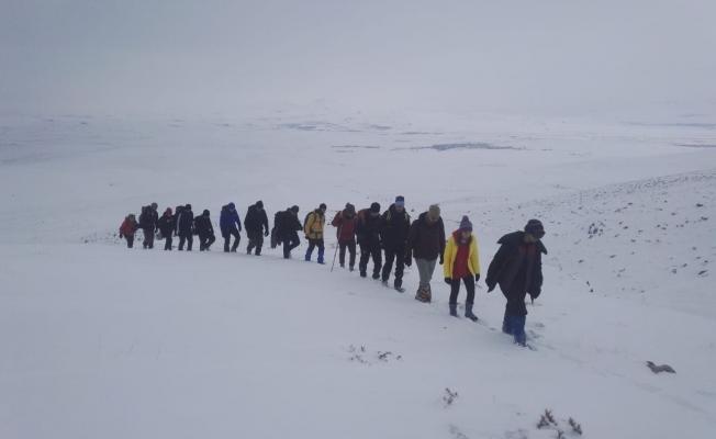 Vanlı dağcıların 2300 rakımlı olan Gören Dağı tırmanışı