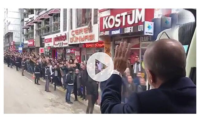 Cumhurbaşkanı Erdoğan'a Van'da coşkulu karşılama