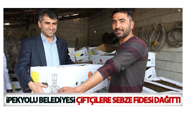 İpekyolu Belediyesi Çiftçilere Sebze Fidesi Dağıttı