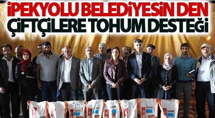 İpekyolu Belediyesin den Çiftçilere Tohum Desteği