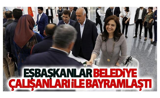 Eşbaşkanlar Belediye çalışanları ile bayramlaştı