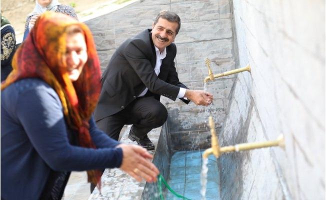Başkale'de yüz yıllık tarihi çeşme halkın hizmetine açıldı