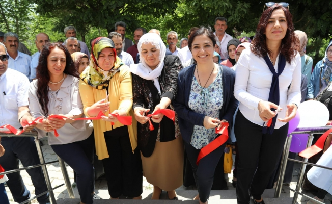 Eşbaşkanlar Erciş'te Zîlan Kadın Yaşam merkezi'nin açılışını yaptı