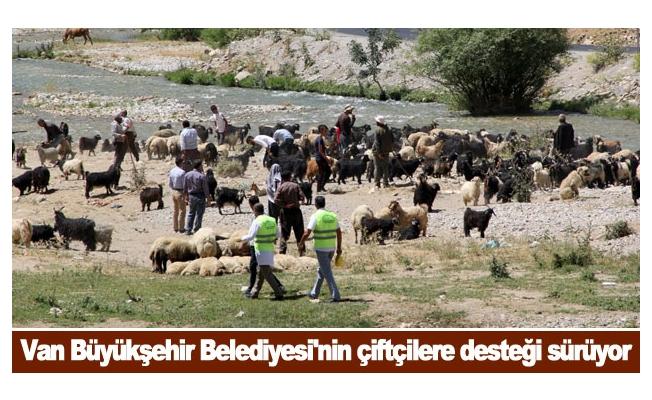 Van Büyükşehir Belediyesi'nin çiftçilere desteği sürüyor